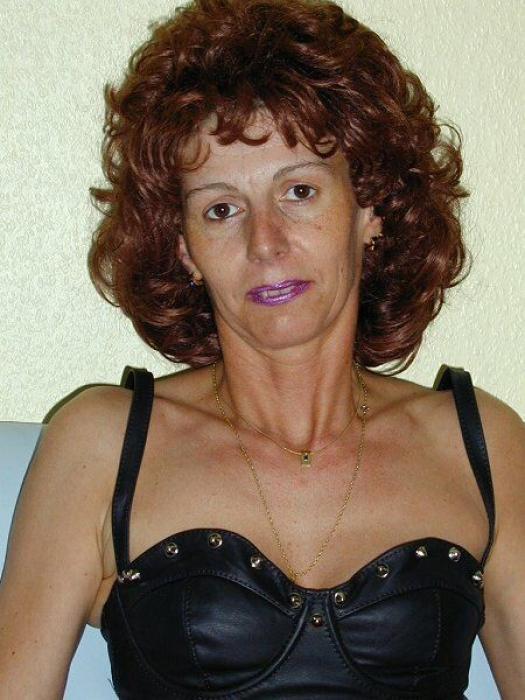 Femme mature rouquine très sexy et très sympa sur troyes