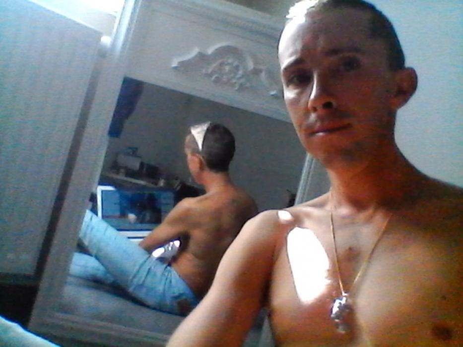 Mec gay de 30 ans recherche un mec